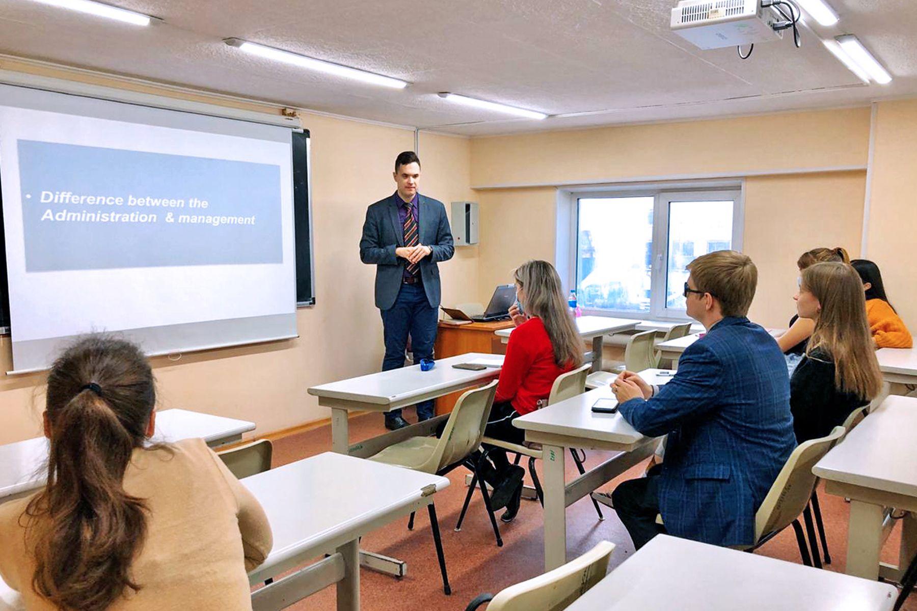 ВГУЭС внедряет в образовательный процесс англоязычные программы