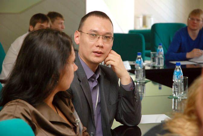 Во ВГУЭС прошел круглый стол для руководителей пресс-служб, департаментов по связям с общественностью и маркетинга крупных предприятий г.Владивостока