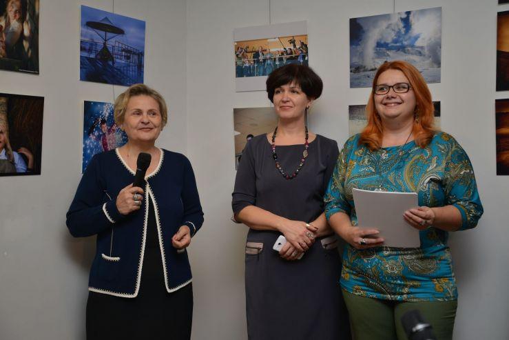 Выпускники Fashion Industry School представили свои работы на выставке «Пространство»