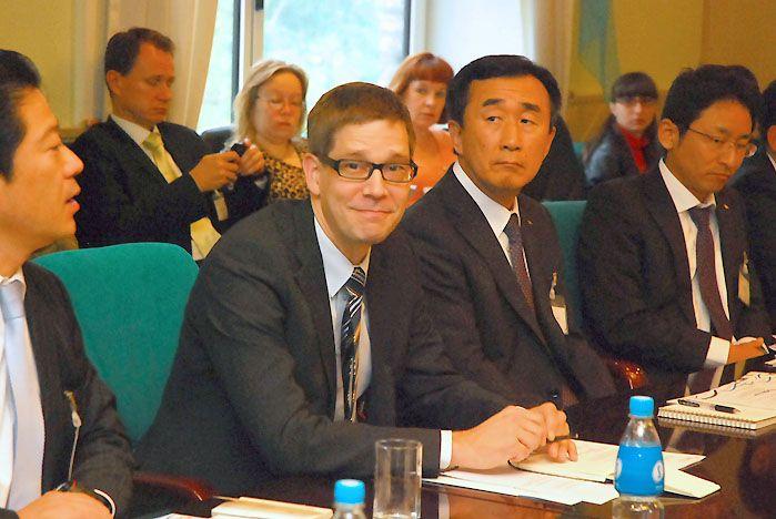 Представители деловых кругов Финляндии, Японии и Приморского края обсудили во ВГУЭС перспективы экономического сотрудничества