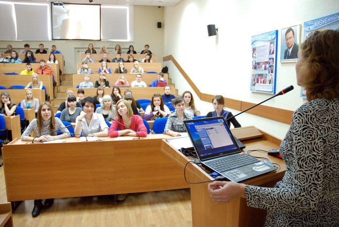 Студенты ВГУЭС рассказали студентам университета префектуры Симане о Дальнем Востоке