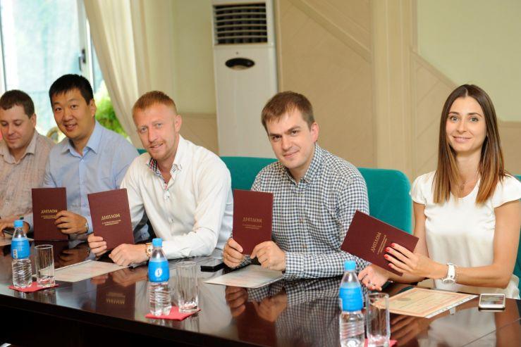 Выпускники программы mba ВГУЭС получили дипломы Владивостокский  Выпускники программы mba ВГУЭС получили дипломы