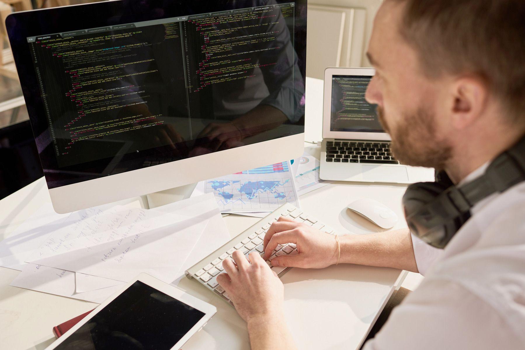 «Цифра» в тренде: у абитуриентов растет интерес к IT-профессиям, у работодателей – потребность в IT-специалистах