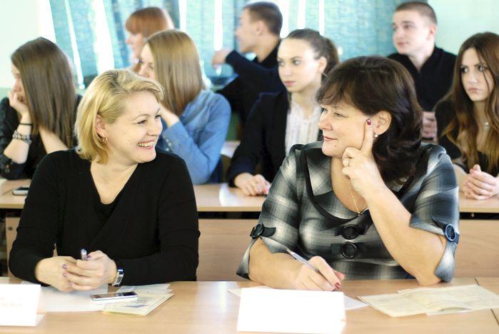 В Академическом колледже ВГУЭС обсудили организацию производственных практик