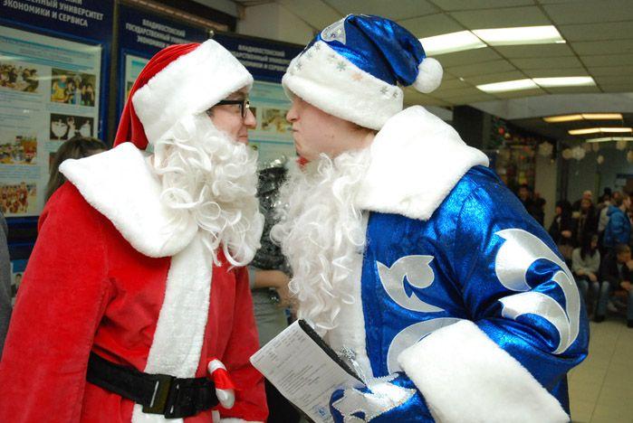 Кто лучше: Дед Мороз или Санта Клаус?