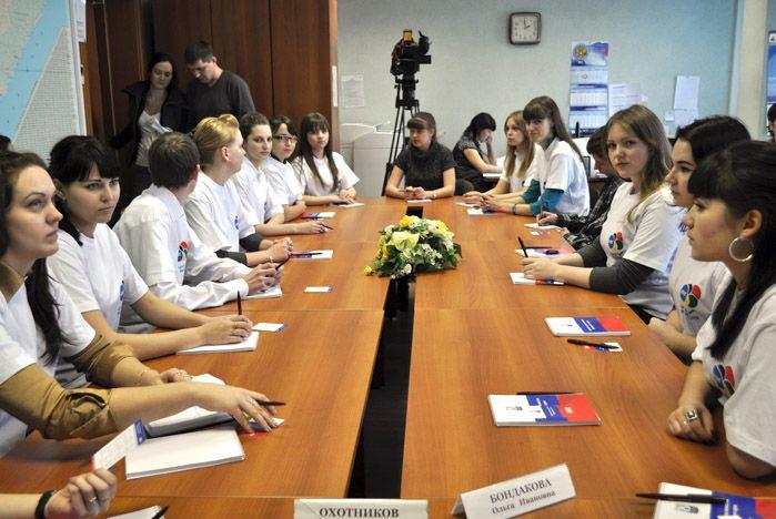 Волонтеры ВГУЭС - в Приморском избиркоме