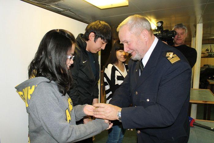 На паруснике «Надежда» иностранные студенты «открыли» российские морские традиции