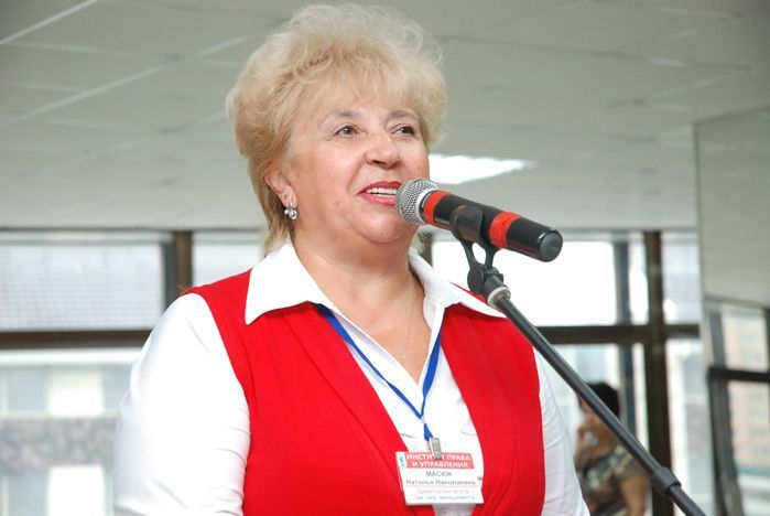 Торжественной линейкой открыли новый учебный год первокурсники ИПУ ВГУЭС