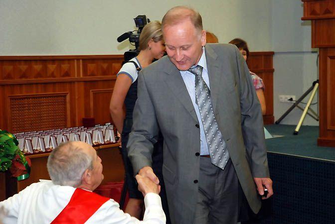 Заслуги ВГУЭС перед Владивостоком отмечены мэрией