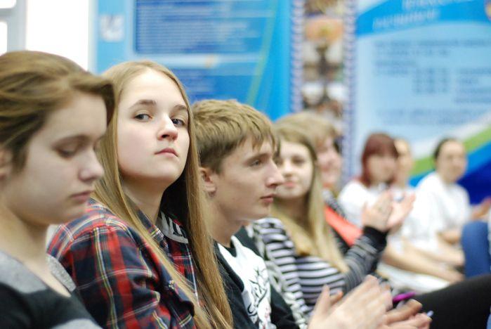 Школьники Приморского края проверяют свои знания во ВГУЭС