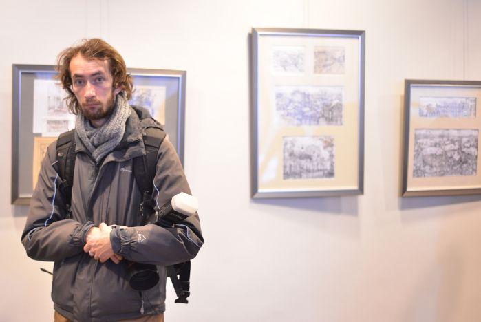 В Музейно-выставочном комплексе ВГУЭС открылась выставка известных художников Евгения и Оксаны Осиповых