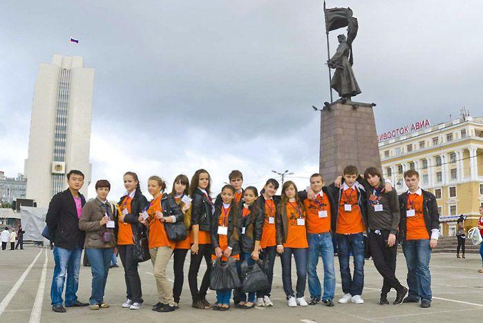 Старшеклассники школы-интерната для одаренных детей ВГУЭС поработали волонтерами на праздновании Дня тигра