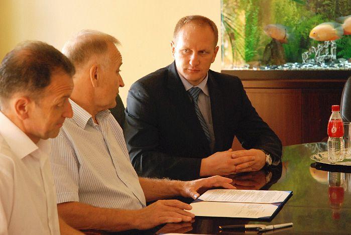 ВГУЭС и АТП «Приморье» подписали соглашение о сотрудничестве