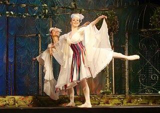 Ученицы ШИОД ВГУЭС сыграли в спектаклях петербургского театра