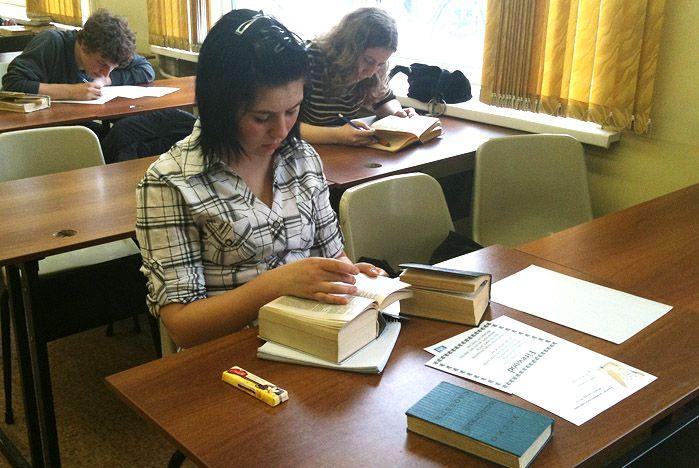 Во ВГУЭС старшеклассники переводят английских классиков