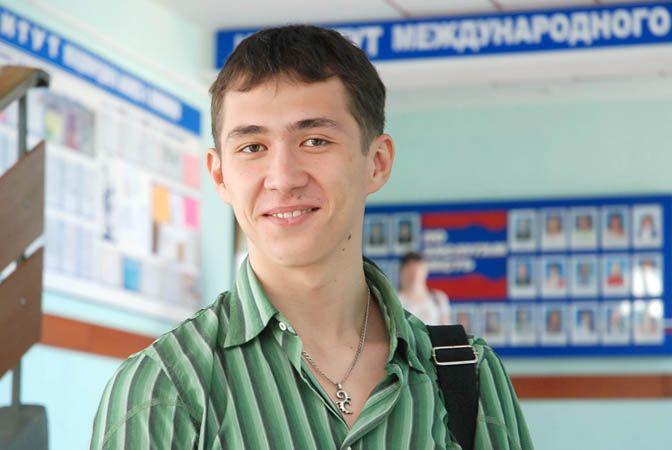 Студент ВГУЭС Андрей Гончарук отмечен за умение презентовать проекты ученых