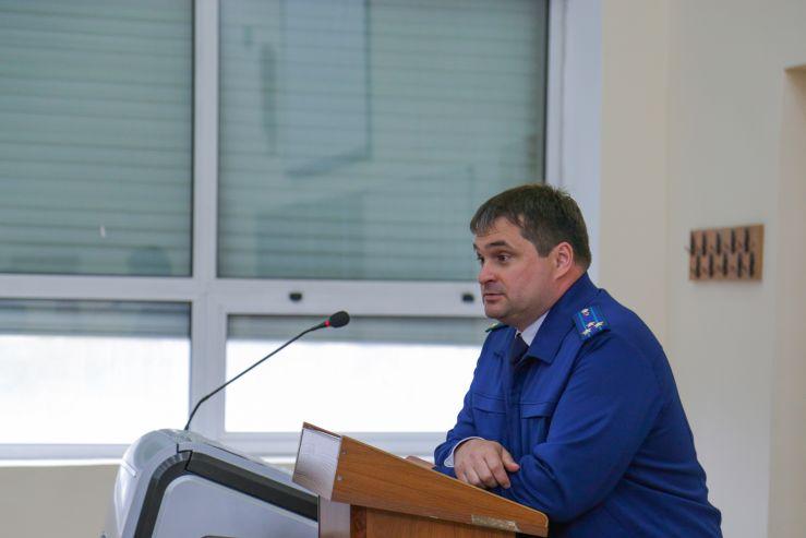 Старший советник юстиции прокуратуры Приморского края Константин Мирошниченко: «Настоящий юрист – это человек большой выдержки»