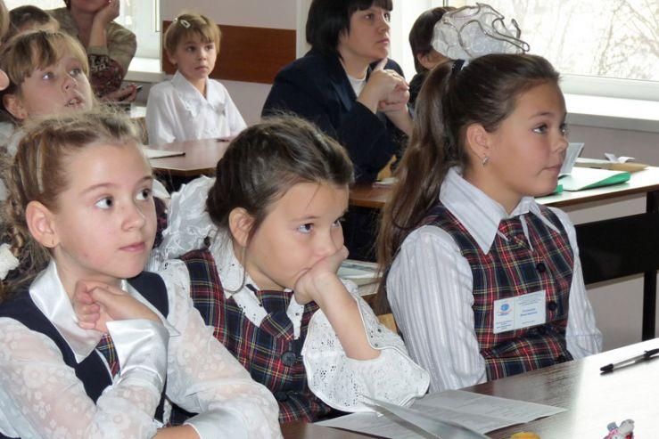 В Школе-интернате ВГУЭС для одаренных детей завершился региональный конкурс «Юный исследователь - Дальний Восток»