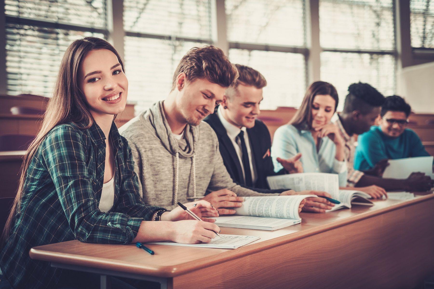 Центр «Абитуриент» ВГУЭС объявляет набор на курсы по подготовке к сдаче вступительных испытаний
