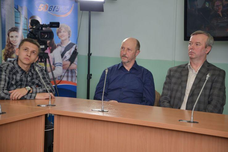 Студенты ВГУЭС построили ещё один «мост» во Владивостоке