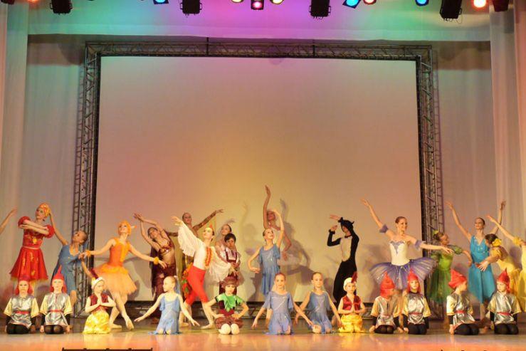 Студия классического балета Школы-интерната ВГУЭС для одаренных детей отметила свой первый юбилей.