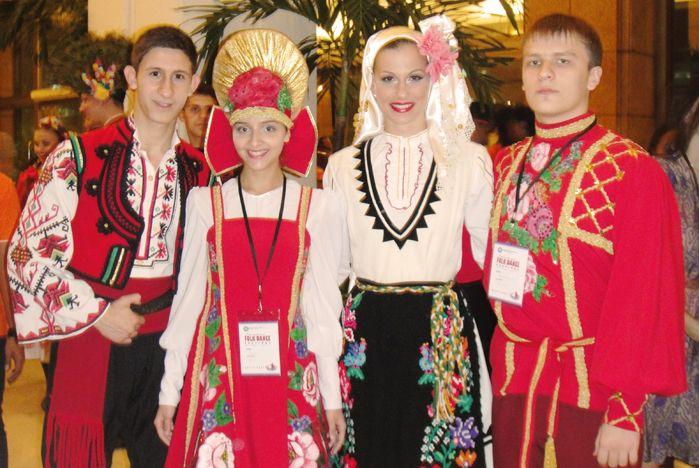 Ансамбль народного танца «Алиса – ВГУЭС» представил Россию на конкурсе в Индонезии
