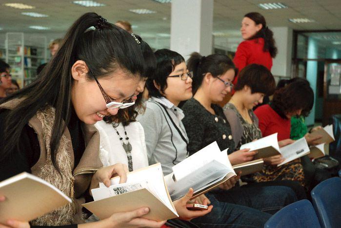Мандельштам в иероглифах: состоялась презентация сборника студенческих переводов