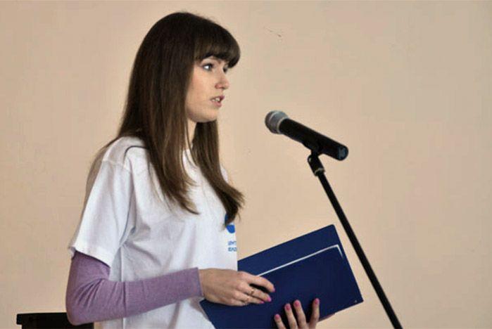 О гражданских правах и обязанностях рассказали активисты Центра волонтеров ВГУЭС старшеклассникам