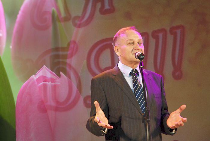 Поздравление ректора Геннадия Лазарева с 8 марта