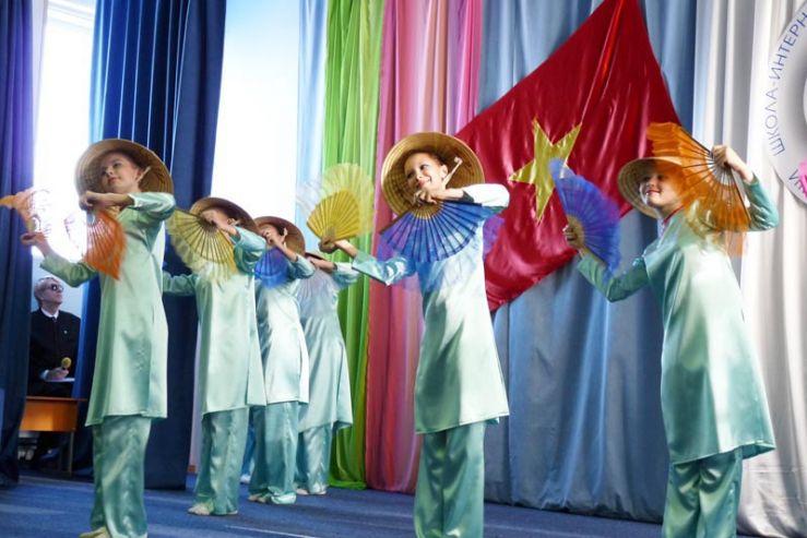 Вьетнамский культурно-образовательный центр открылся в Школе-интернате ВГУЭС для одаренных детей