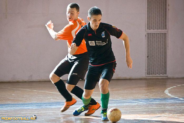 Футболисты ВГУЭС выиграли у сборной ДВФУ 4:3