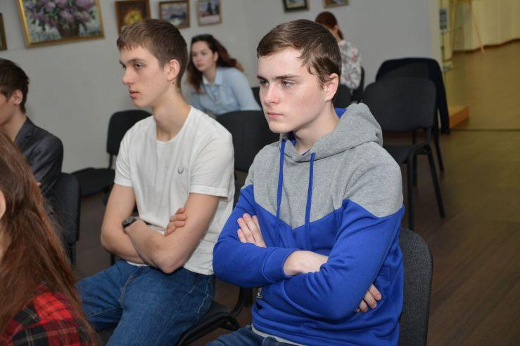 ВГУЭС помогает старшеклассникам определиться с будущей профессией