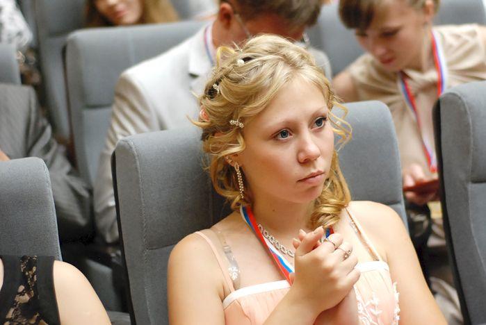 Золотая медалистка примет участие в выпускном вечере Института международного бизнеса и экономики ВГУЭС