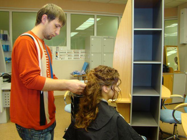Профессиональный лицей ВГУЭС открыл свои двери для участниц конкурса Мисс «Автошоу 2012»