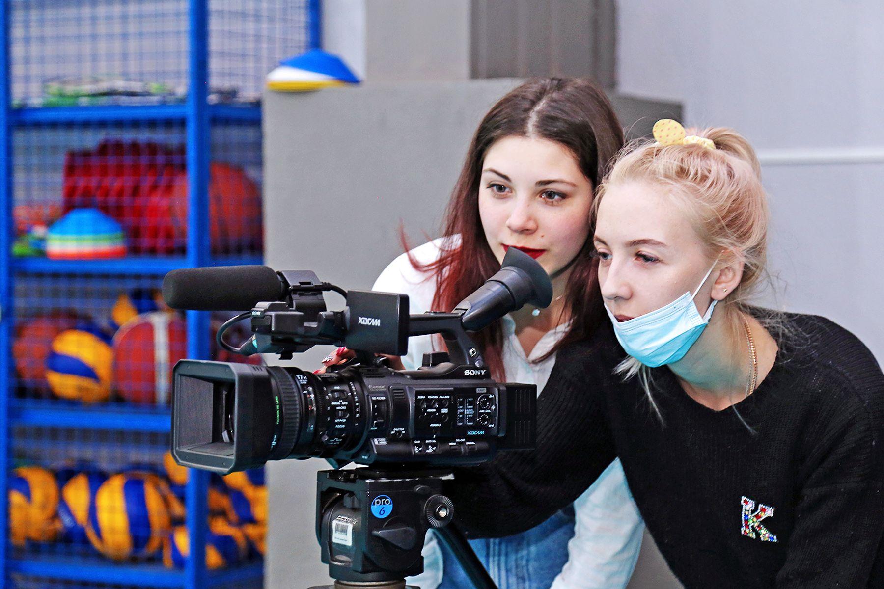 Победы в конкурсах, достопримечательности Москвы и лучшие профессиональные компьютерные программы в новом выпуске проекта ВГУЭС-LIFE