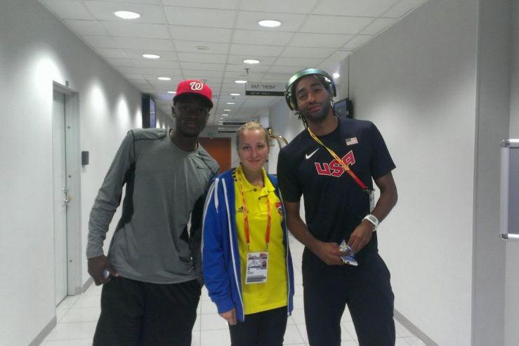 Волонтеры ВГУЭС помогают звездам мировой легкой атлетики