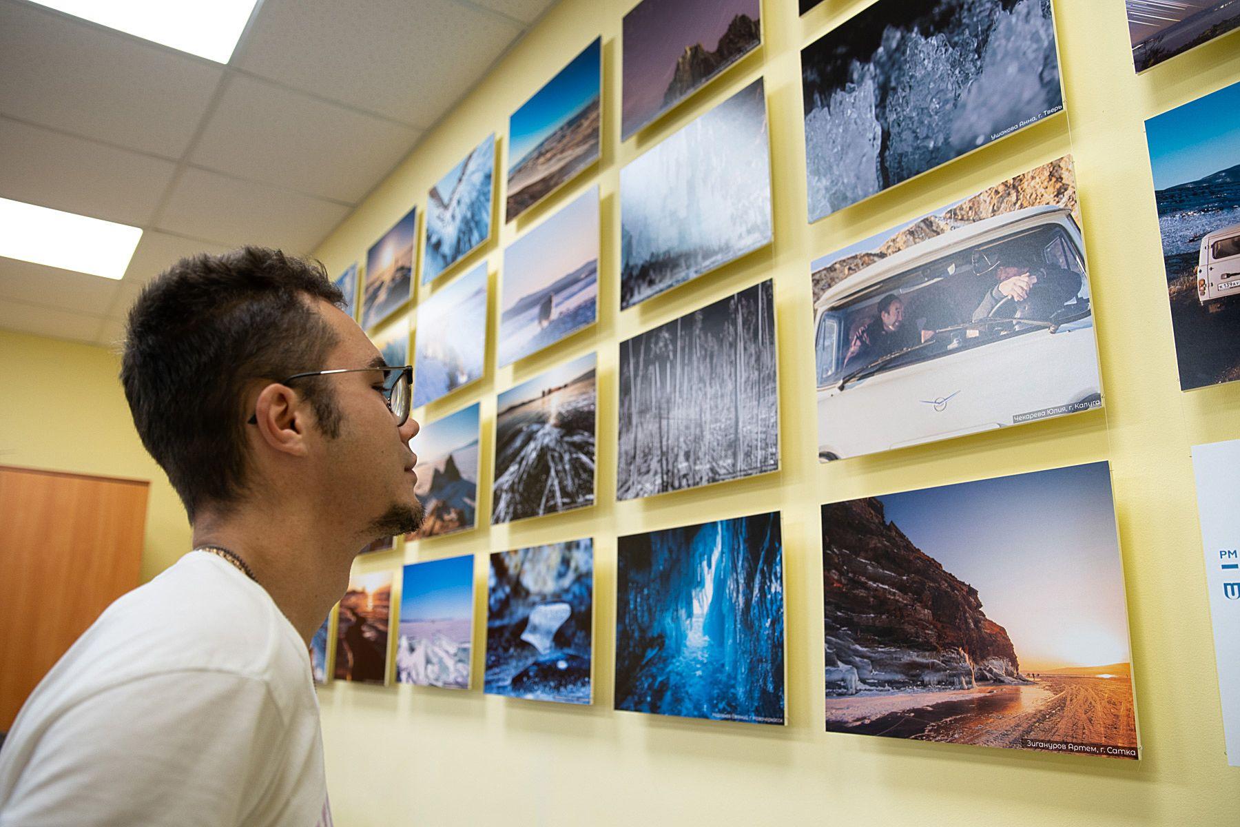 Во ВГУЭС открылась фотовыставка «Байкал для каждого»