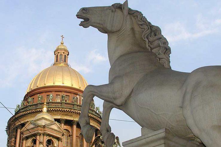 Большая группа студентов-дизайнеров поедет в Санкт-Петербург на учебно-культурологическую практику
