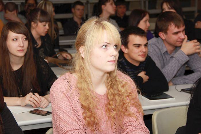 Студенты ВГУЭС сделали первый шаг к международной карьере
