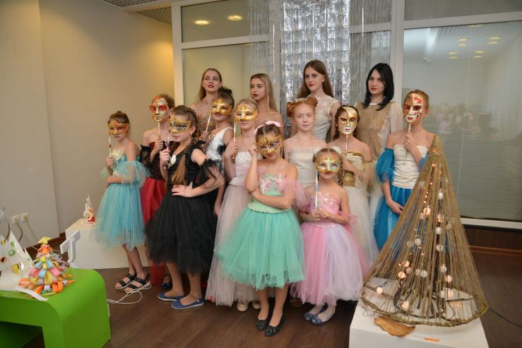 Выставка «Арт-елка» открылась во ВГУЭС