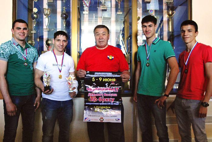 Студенты ВГУЭС завоевали медали на чемпионате Дальневосточного федерального округа по боксу
