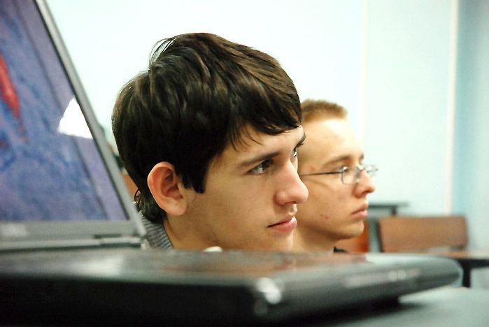 Студенты ВГУЭС могут зарабатывать с помощью программ корпорации Microsoft