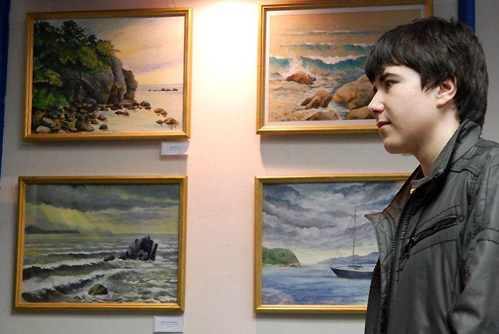 Выставка картин преподавателя ШИОД Александра Орехова открылась во ВГУЭС
