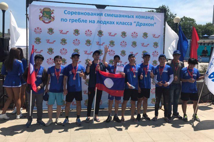 Студенты из Лаоса – призеры гонки на «Драконах»