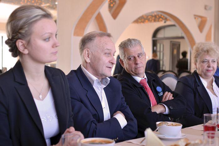 Ректор ВГУЭС Геннадий Лазарев и ректор PIHMS Билл МакКаллум встретились со студентами международного образовательного проекта