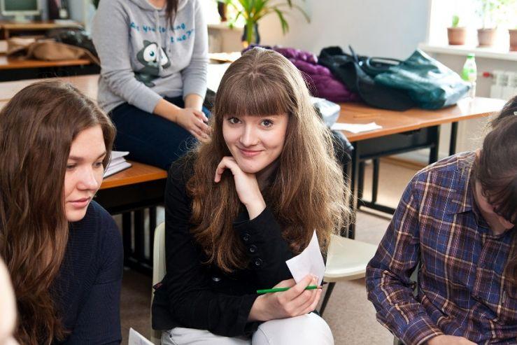 Колледж искусства и технологий на осенних каникулах принимал в гости школьников города