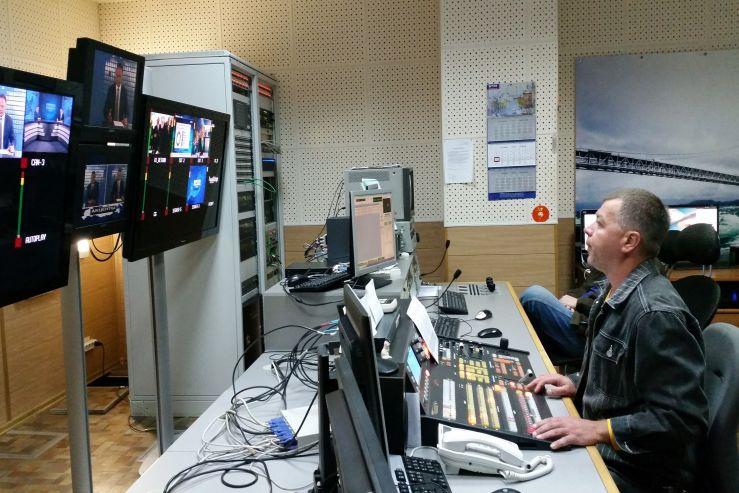 Студенты Высшей школы телевидения изучают основы работы со звуком на практике