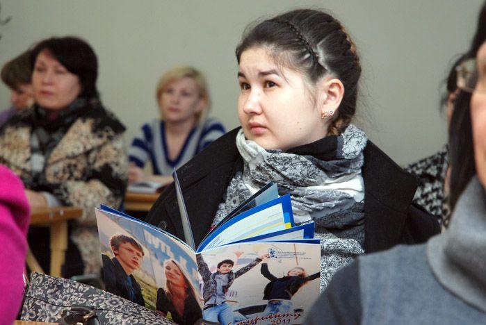 В первый день весенних каникул старшеклассники отправились во ВГУЭС
