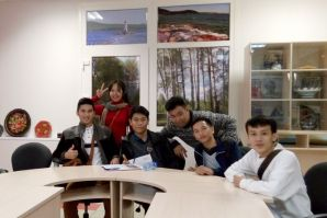 The future VSUES students from Laos visited the university
