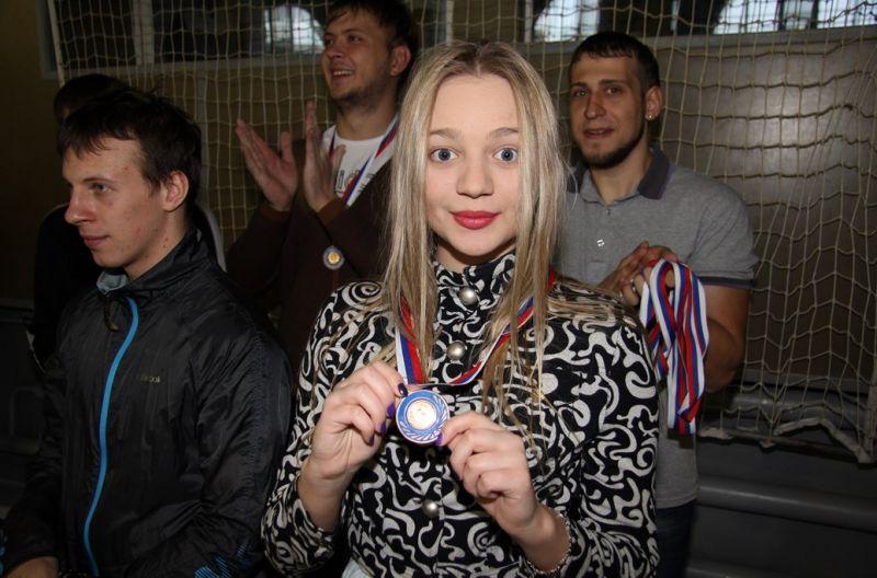 Анастасия с медалью